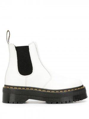 Ботинки с эластичными вставками по бокам Dr. Martens. Цвет: белый
