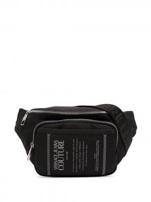 Поясная сумка с принтом Etichetta Versace Jeans Couture. Цвет: черный