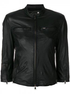 Приталенная кожаная куртка R13. Цвет: черный