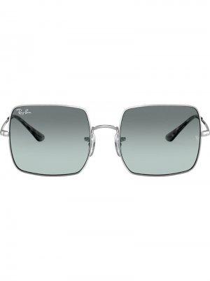 Солнцезащитные очки RB1971 в квадратной оправе Ray-Ban. Цвет: серебристый