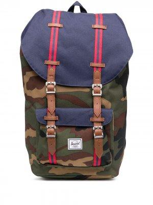 Рюкзак с камуфляжным принтом Herschel Supply Co.. Цвет: зеленый