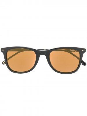 Солнцезащитные очки в прямоугольной оправе Carrera. Цвет: черный