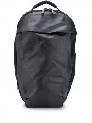 Однотонный рюкзак Y-3. Цвет: черный