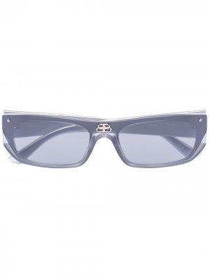 Солнцезащитные очки Shield в прямоугольной оправе Balenciaga Eyewear. Цвет: серый