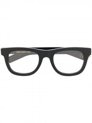 Солнцезащитные очки в четырехугольной оправе Retrosuperfuture. Цвет: черный