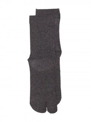 Носки Tabi Maison Margiela. Цвет: серый