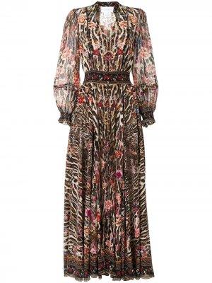 Платье со сборками Camilla. Цвет: коричневый