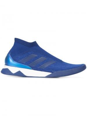 Кроссовки с футуристичным дизайном Adidas. Цвет: синий