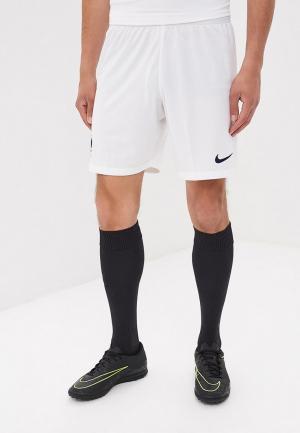 Шорты спортивные Nike. Цвет: белый