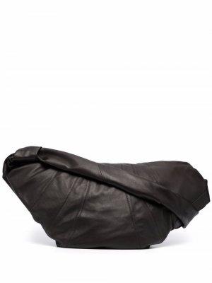 Полукруглая сумка на плечо Lemaire. Цвет: коричневый