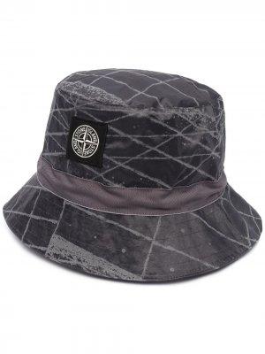 Шляпа с логотипом Stone Island. Цвет: серый