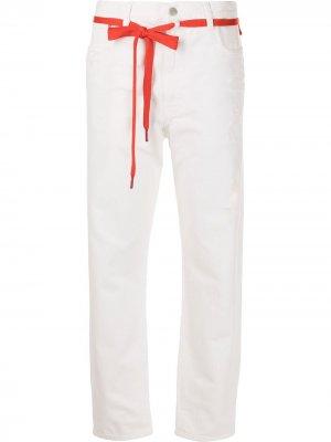 Зауженные джинсы Harper с эффектом потертости Denimist. Цвет: белый