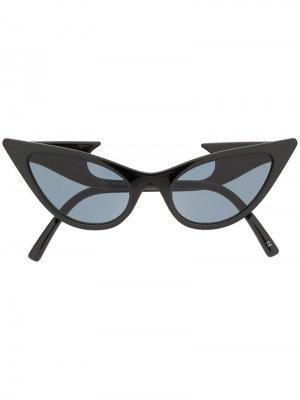 Солнцезащитные очки в оправе кошачий глаз Le Specs. Цвет: черный
