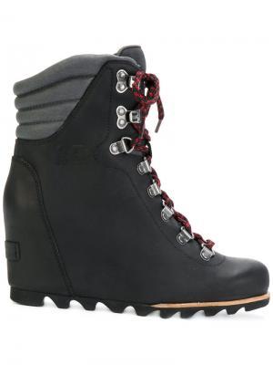 Ботинки по щиколотку Sorel. Цвет: черный