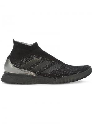 Кроссовки с футуристичным дизайном Adidas. Цвет: черный