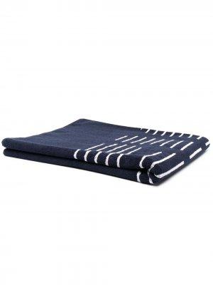 Пляжное полотенце с логотипом Fila. Цвет: синий