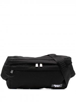 Поясная сумка из коллаборации с Maison Kitsune Puma. Цвет: черный