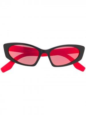 Солнцезащитные очки в оправе кошачий глаз Marc Jacobs Eyewear. Цвет: черный