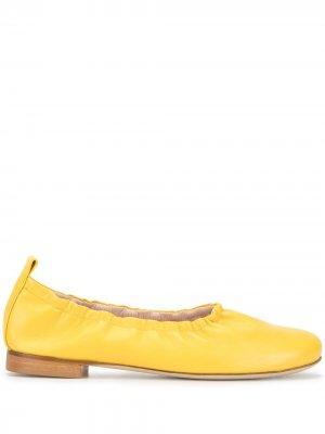 Балетки с миндалевидным носком Rodo. Цвет: желтый