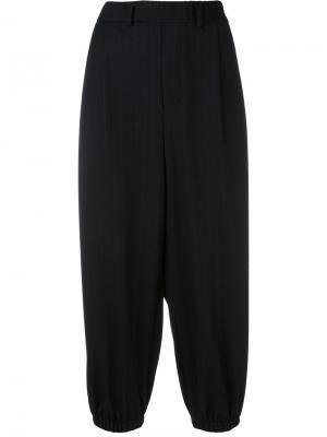 Укороченные брюки с эластичными манжетами Lucio Vanotti. Цвет: синий