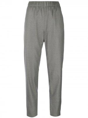 Зауженные брюки в тонкую полоску Fabiana Filippi. Цвет: серый