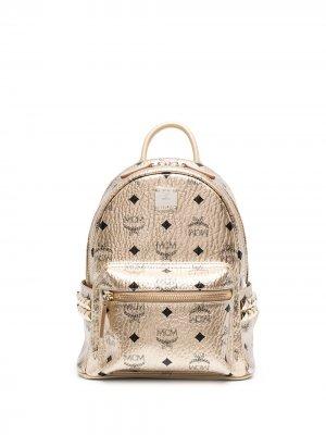 Рюкзак с заклепками и логотипом MCM. Цвет: золотистый
