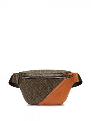 Поясная сумка с логотипом FF Fendi. Цвет: коричневый
