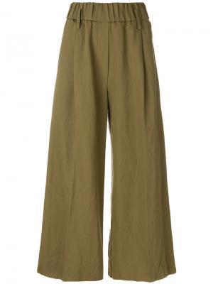 Расклешенные брюки с вышивкой Forte. Цвет: зеленый