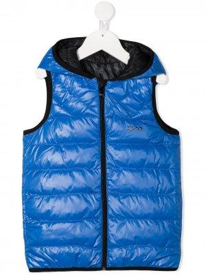 Дутый жилет с капюшоном BOSS Kidswear. Цвет: синий