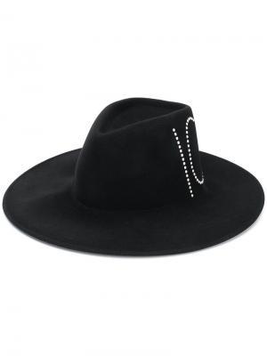 Шляпа с заклепками Ionic Eugenia Kim. Цвет: черный