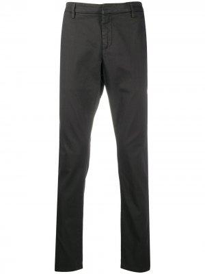 Узкие брюки чинос Dondup. Цвет: серый