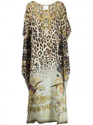 Декорированный кафтан с леопардовым принтом Camilla. Цвет: нейтральные цвета