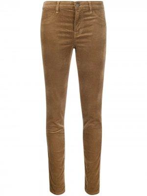 Укороченные брюки кроя слим J Brand. Цвет: коричневый