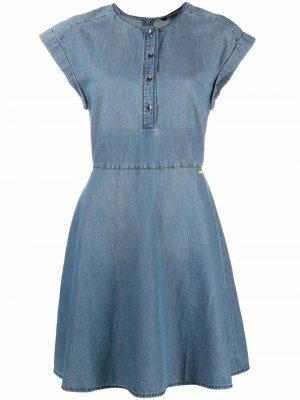 Джинсовое платье без рукавов Armani Exchange. Цвет: синий