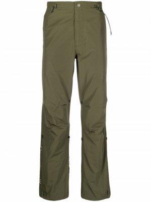 Прямые брюки Pearl Dragon Maharishi. Цвет: зеленый