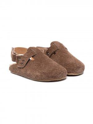 Туфли с закругленным носком Pépé Kids. Цвет: коричневый