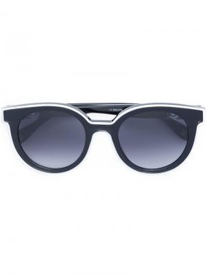 Солнцезащитные очки в оправе кошачий глаз Carolina Herrera. Цвет: черный