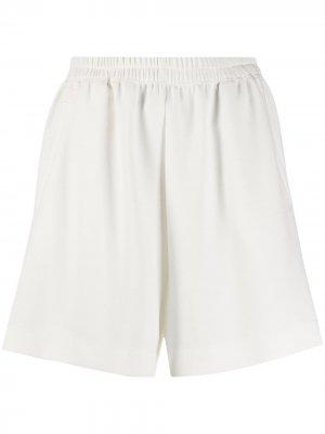 Спортивные шорты Styland. Цвет: белый