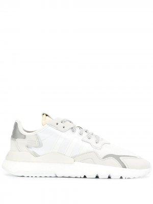 Кроссовки Nite Jogger adidas. Цвет: белый