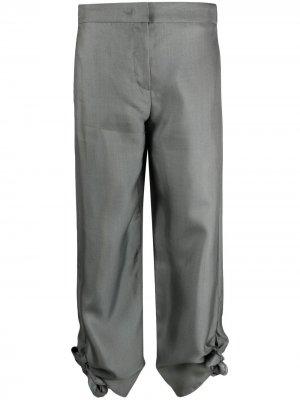 Укороченные брюки с декоративными узелками Emporio Armani. Цвет: серый