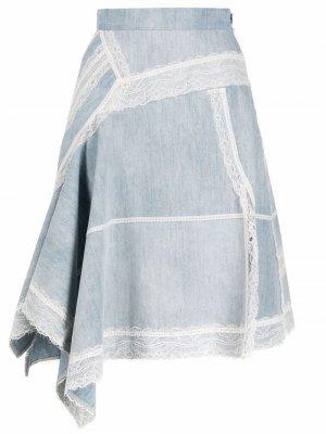 Джинсовая юбка асимметричного кроя с кружевной отделкой Koché. Цвет: синий