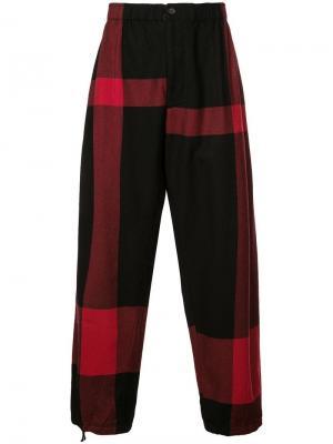 Свободные брюки с контрастными полосками Engineered Garments. Цвет: черный