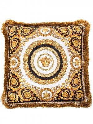 Подушка с декором Medusa принтом Baroque Versace. Цвет: золотистый