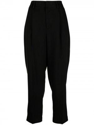 Зауженные брюки со складками Pt01. Цвет: черный