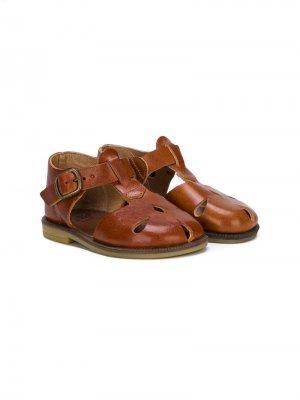 Cut-out detail closed toe sandals Pépé Kids. Цвет: коричневый