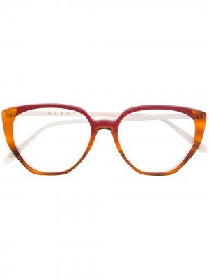 Очки в оправе кошачий глаз Marni Eyewear. Цвет: нейтральные цвета