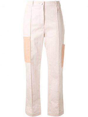 Прямые брюки с контрастными карманами Nehera. Цвет: розовый