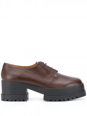 Двухцветные туфли на шнуровке Clergerie. Цвет: коричневый