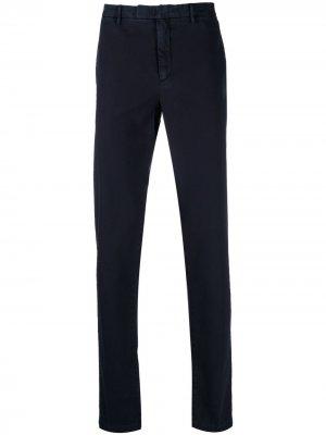Прямые брюки чинос Boglioli. Цвет: синий