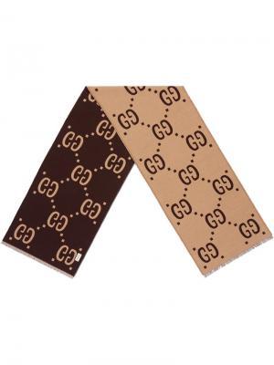 Шарф с жаккардовым узором GG Gucci. Цвет: коричневый